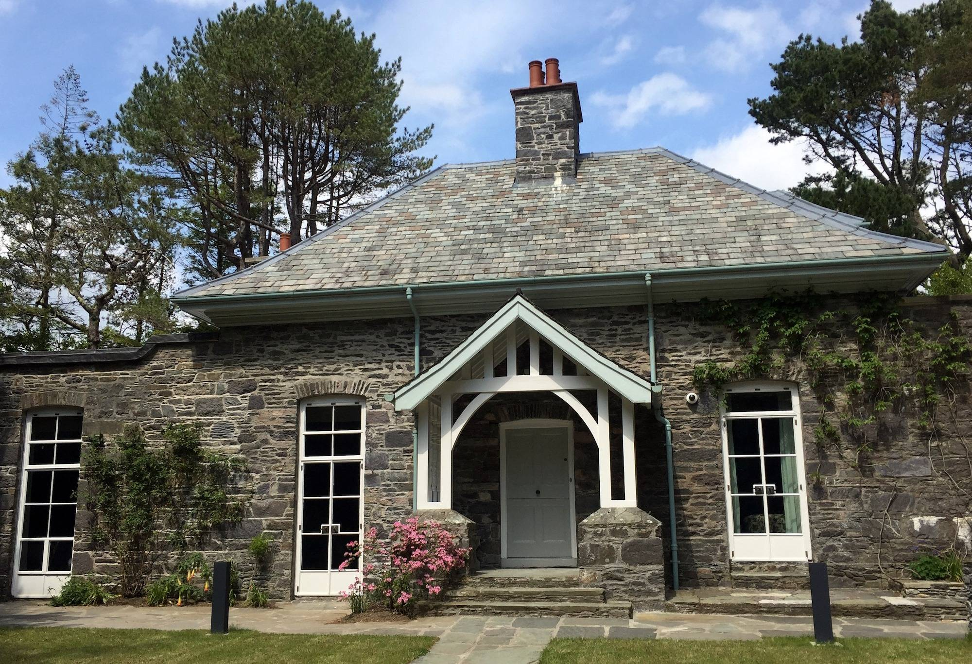 Bryce House, formerly the gardener's cottage, remodelled c. 1940. OPW.